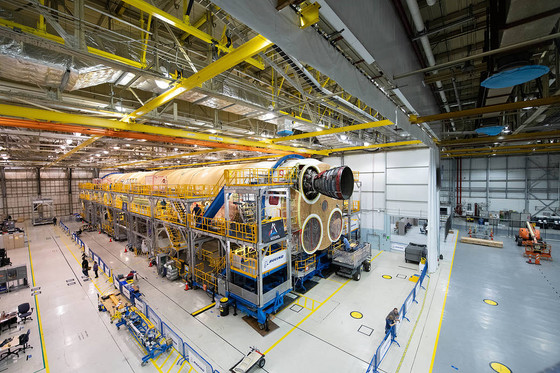 NASA Begins Attachment of First RS-25 Engines to SLS Artemis I