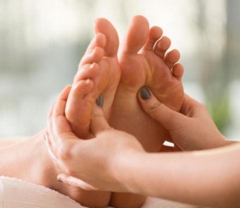 Sessão de massagem podal