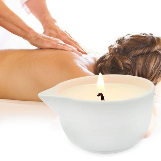 Sessão de massagem sensitiva com velas