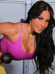 image of mariza villarreal working out
