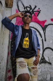 SHUSA_Pasame-La-Botella-Mens_Mockup.png
