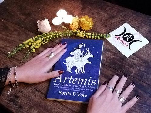 Artemis by Sorita d'Este