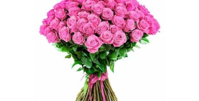 Un magnifique Bouquet de roses roses + verdure +-60/70cm