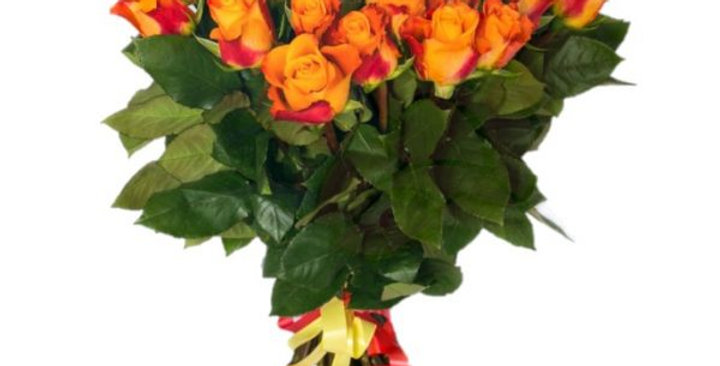 Un magnifique Bouquet de roses oranges + verdure +-60/70cm