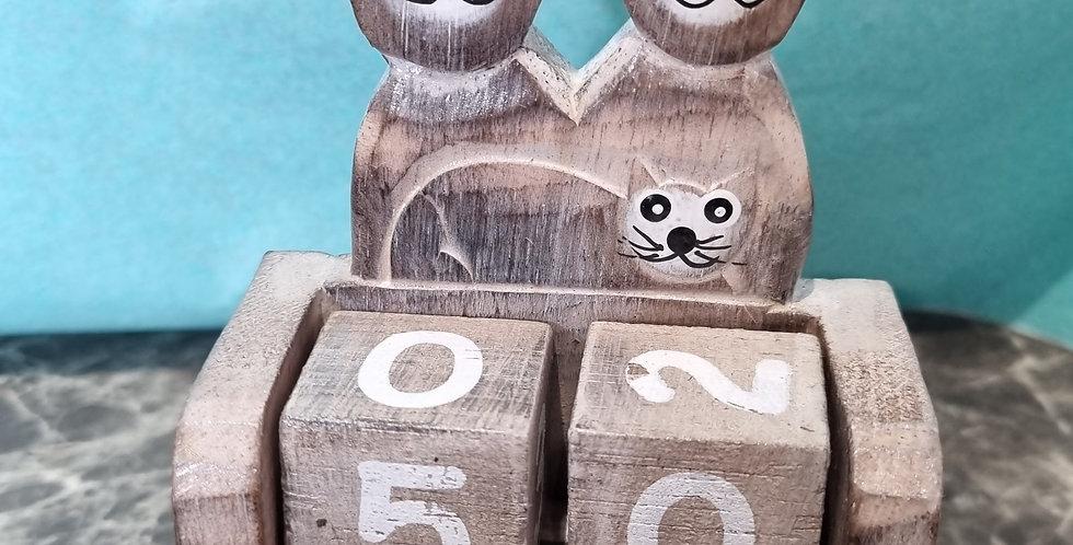 Calendrier en bois 3 chats.