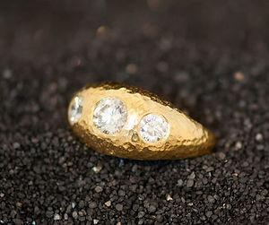 Ara Designs, Ara Jewelry, European Jeweler, Gold, Diamonds, Pave Setting