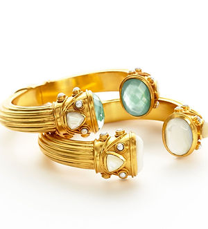 Ara Designs, Ara Jewelry, European Jeweler, Gold, Diamonds, Pave Setting