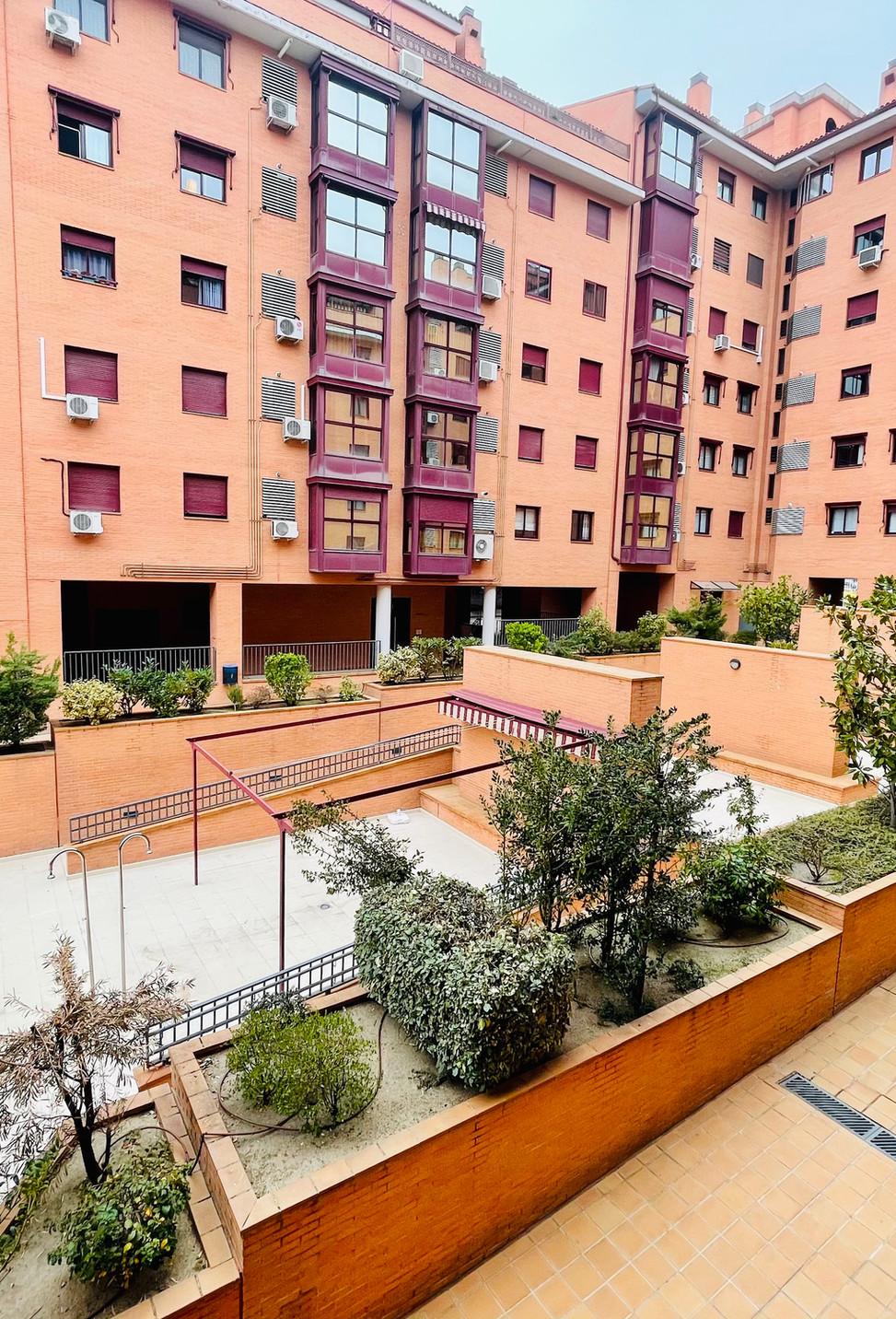 Urbanización - San Cipriano 67 - Valderr