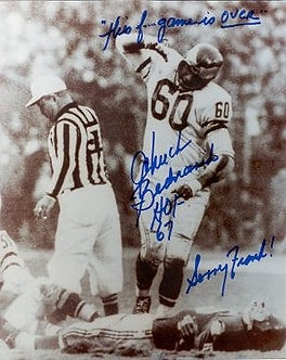 Chuck Bednarik signed standing over Frank Gifford 8x10 #1 1960 Eagles vs Giants