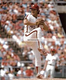 TUG MCGRAW PHILLIES COLOR ACTION PHOTO