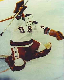 Jim Craig 1980 Olympic Hockey Miracle On Ice unsigned victory leap photo