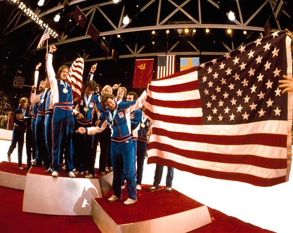 USA OLYMPIC HOCKEY MIRACLE ON ICE AMERICAN FLAG PHOTO