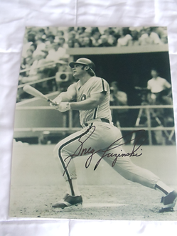 Greg Luzinski Philadelphia Phillies signed vintage 11x14 photo