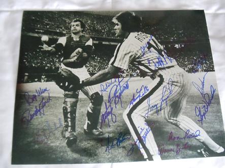 1980 Philadelphia Phillies 16 signed 11x14 Rose Boone Bobble Catch