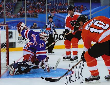John LeClair signed Philadelphia Flyers 2011 Winter Classic Alumni goal 8x10