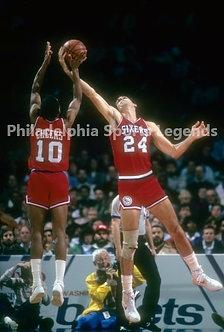 Maurice Mo Cheeks Bobby Jones 1983 Philadelphia 76ers 8x10 photo Sixers