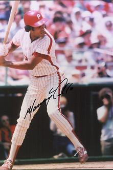Manny Trillo 1980 Philadelphia Phillies autographed 8x10 hitting