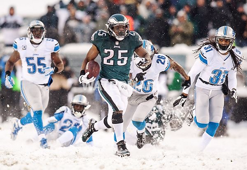 Lesean McCoy Philadelphia Eagles Snow photo #1.jpg
