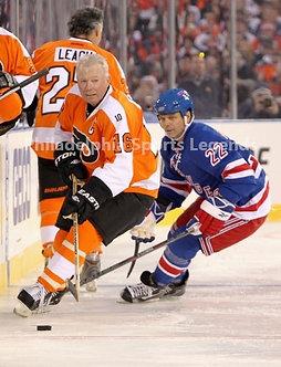 Bobby Clarke Flyers Mike Gartner Rangers 2001 Winter Classic Alumni Game 8x10