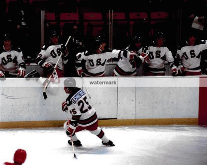 BUZZ SCHNEIDER USA OLYMPIC MIRACLE ON ICE PHOTO