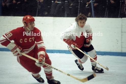 Bobby Clarke Flyers Canada Cup vs USSR War on Ice action 8x10 #4