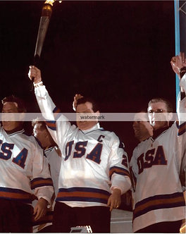 MIKE ERUZIONE USA MIRACLE ON ICE OLYMPIC TORCH PHOTO