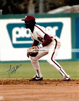 LARRY MILBOURNE 1983 PHILLIES NL CHAMPS SIGNED 8X10