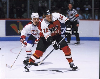 Tim Kerr Philadelphia Flyers action 8x10 vs Montreal
