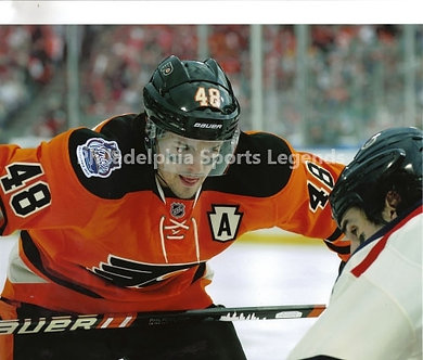 Daniel Briere Philadelphia Flyers 2012 Winter Classic face off 8x10 photo