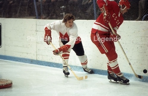 Bobby Clarke Flyers Canada Cup vs USSR War on Ice action 8x10 #2