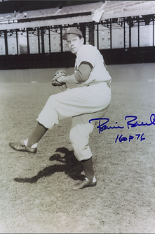 Robin Roberts Philadelphia Phillies autographed black and white action 8x10
