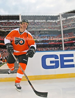 John LeClair Philadelphia Flyers 2011 Winter Classic Alumni introduction 8x10