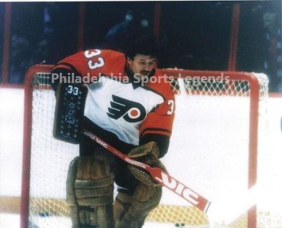 "Glen ""Chico"" Resch Philadelphia Flyers 8x10 photo"
