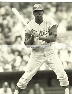 DICK RICHIE ALLEN 1964 PHILLIES ROOKIE OF THE YEAR HITTING PHOTO