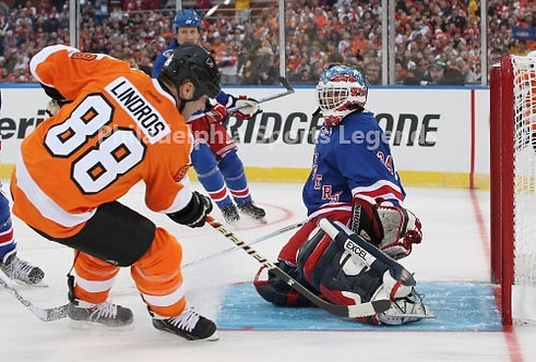 Eric Lindros Flyers 2011 Winter Classic Alumni Game action 8x10 photo