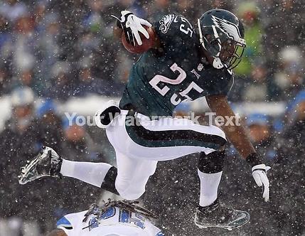 LESEAN MCCOY PHILADELPHIA EAGLES SNOW 8X10 PHOTO #2 MUST SEE!!