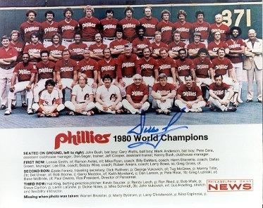 Dallas Green autographed 1980 Philadelphia Phillies team 8x10 photo