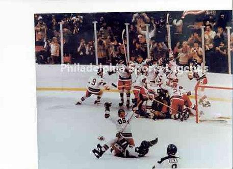 1980 USA Miracle On Ice Olympic Ice Hockey Celebration photo #2