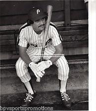 LARRY BOWA PHILADELPHIA PHILLIES VINTAGE 80'S BENCH 8X10 PHOTO