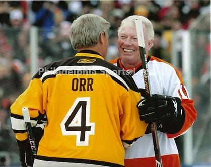 Bob Clarke Flyers Bobby Orr Bruins Winter Classic hug 8x10