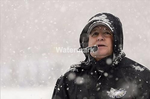 CHIP KELLY PHILADELPHIA EAGLES SNOW PHOTO