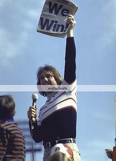 TUG MCGRAW 1980 PHILADELPHIA PHILLIES WORLD SERIES 8X10 #4 WE WIN!!