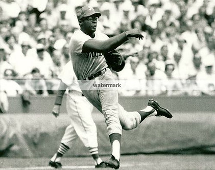 DICK ALLEN 1964 PHILLIES ROOKIE OF THE YEAR 3RD BASE PHOTO