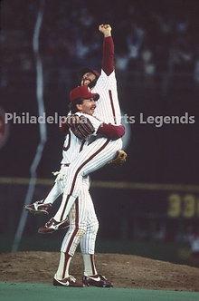 Al Holland Mike Schmidt 1983 Philadelphia Phillies NLCS final out 8x10