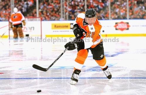 Brian Propp Philadelphia Flyers signed 2001 Winter Classic Alumni action 8x10