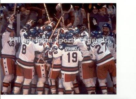 1980 OLYMPIC ICE HOCKEY MIRACLE ON ICE GOLD MEDAL CELEBRATION PHOTO #2 ERUZIONE