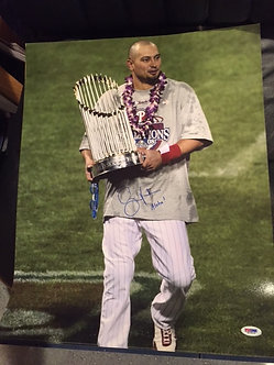 SHANE VICTORINO 2008 PHILADELPHIA PHILLIES SIGNED 16X20 W/TROPHY PSA