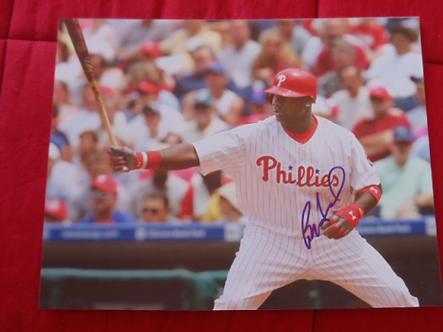 Ryan Howard Philadelphia Phillies autographed 11x14 classic pose