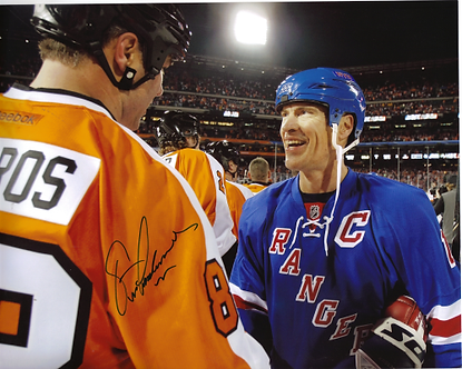 Eric Lindros Flyers autographed 8x10 with Mark Messier Rangers 2011WC