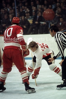 Bobby Clarke Flyers Canada Cup vs USSR War on Ice action 8x10 #3